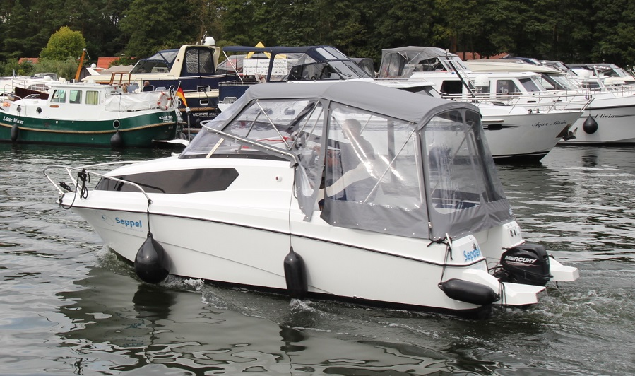 aqua royal 680 cruiser 15 ps seppel yacht. Black Bedroom Furniture Sets. Home Design Ideas
